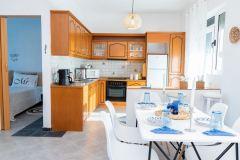 1_Dimitras-Luxus-House-09